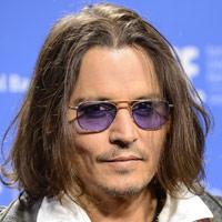 Johnny Depp ist auf einem Auge fast blind!