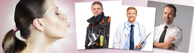 Flirt: Männer in Uniform kennenlernen