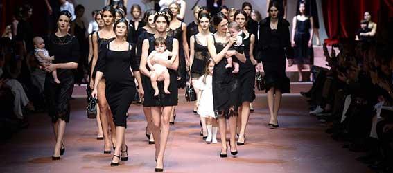 Schwanger Models Laufsteg Babybauch