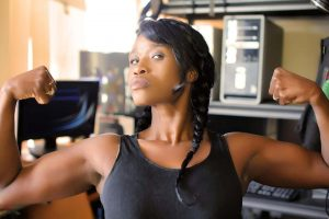 Die größten Fehler beim Brusttraining – worauf Frauen achten sollten